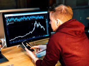 نرم افزار های معاملاتی بورس کدامند؟